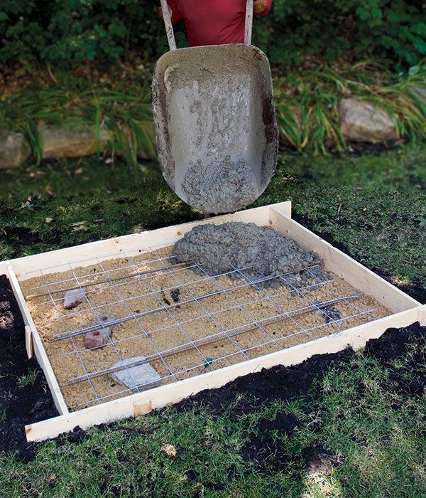Creating A Concrete Slab Is Simple; But The Labor Is Not Easy. Here Are.  Selbermachen Beton PlatteBetonbodenBetonauffahrtenZementVorgarten ...