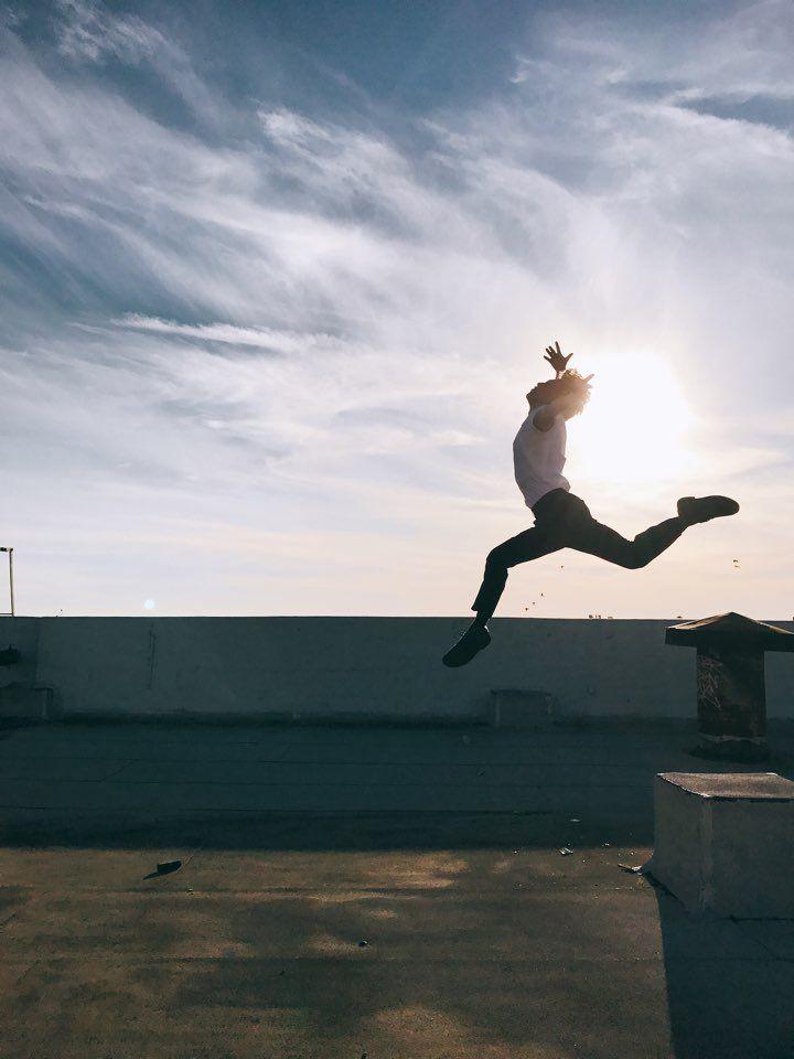 """방탄소년단 บนทวิตเตอร์: """"제목 : 태양을 등에 업다 #JIMIN https://t.co/794NpHBU2s"""""""