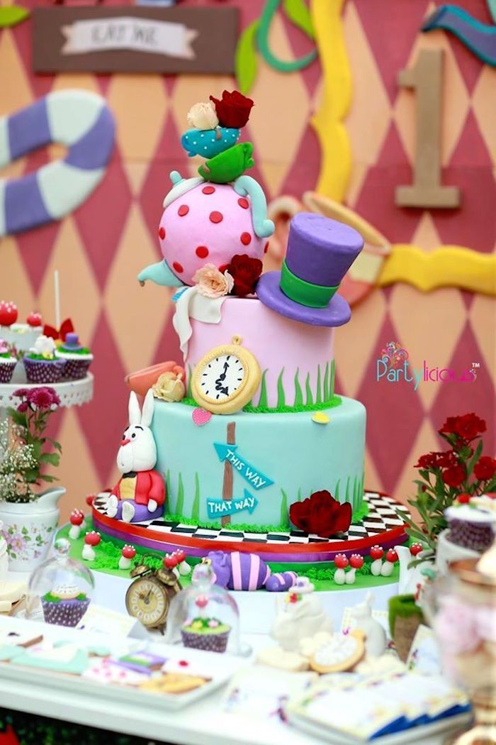 Alice in Wonderland Cake from an Alice