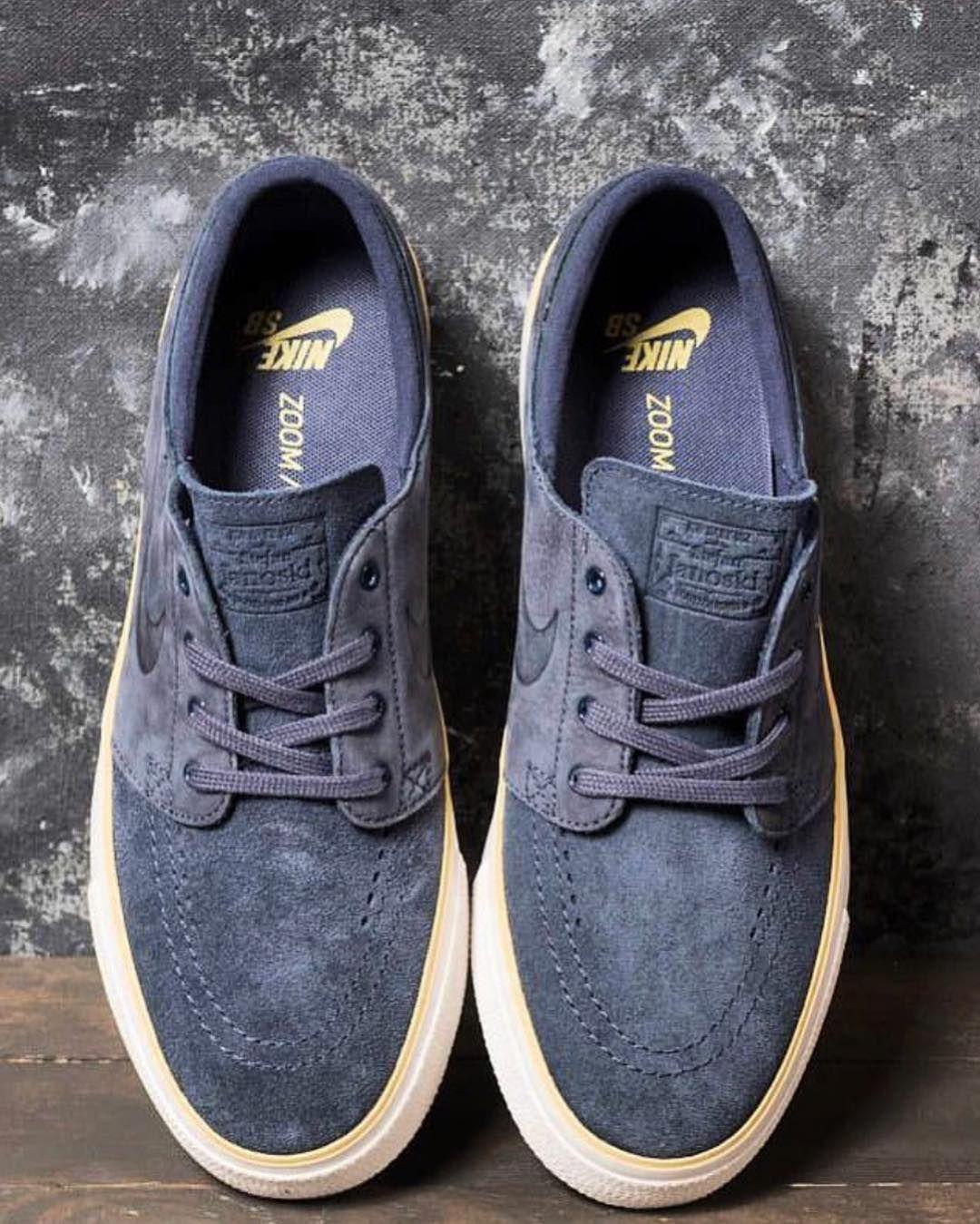 5c045fc28c Converse Chuck Taylor · Vans Authentic · Nike Shoes · Kicks · Janoski Jordan  3