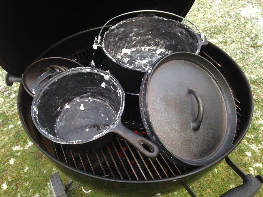 Dutch Oven einbrennen und Pflege von Gusseisen