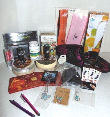 24-Pc-Womens-Stocking-Stuffer-Gift-Lot-make-Up-Jewelry-Lotion-Slippers-Polish