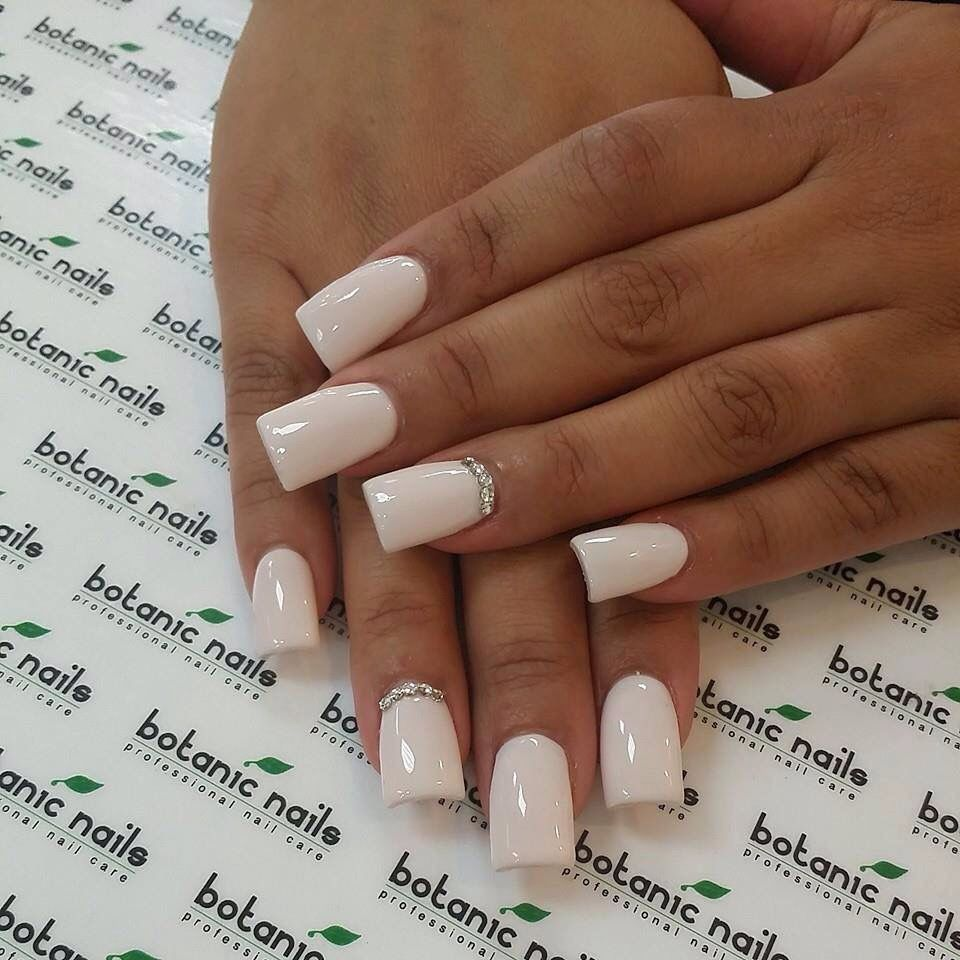 Off White Square Nails With Diamonds On The Ring Finger Diamond Nails Botanic Nails Ring Finger Nails
