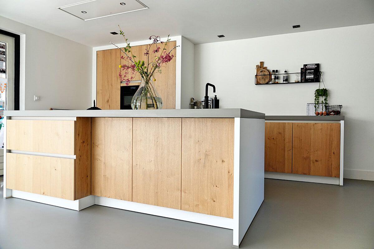 Houten Greeploos Front Met Witte Wangen Huis Interieur Design Thuis Keukens Keuken Eetkamer Living