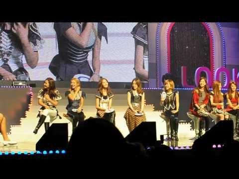 """Girls' Generation's BAILA """"GANGNAM STYLE""""    Girls Generation también participó en la popularidad de la danza del caballo de """"Gangnam Style."""""""