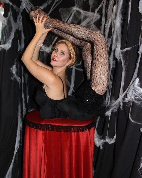 Freaky Contortionist Costume With False Legs Contortionist - mens halloween ideas