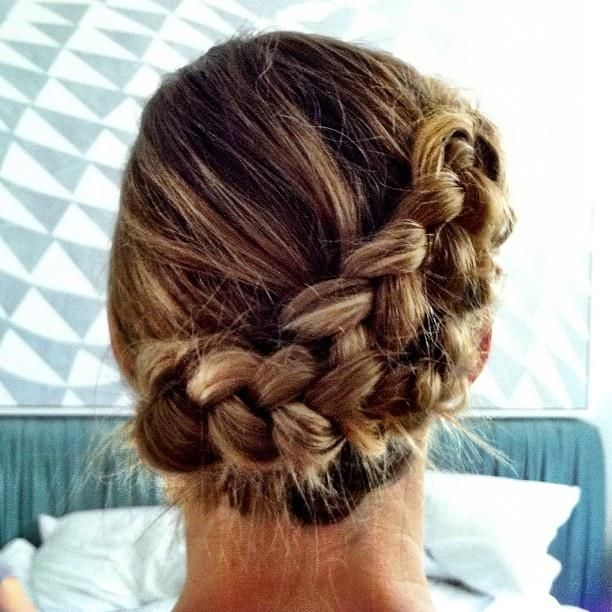 Swoopin' braids #wedding #hairstyle Make Up And Hair Acconciature Capelli marroni Capelli