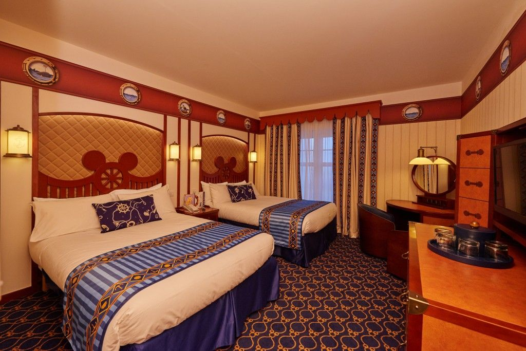 Chambre Newport Bay Club Disneyland Paris  Disney paris  Disney hotel paris Disney hotels