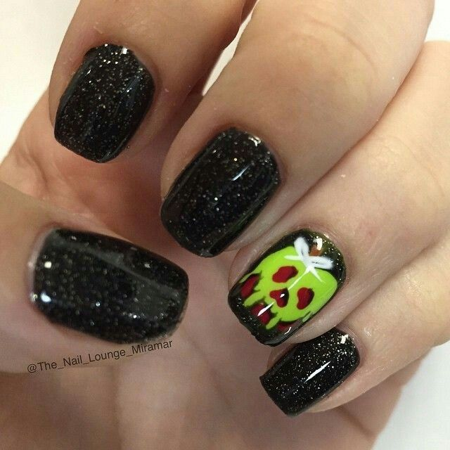 Pin by Melissa Roskos on Cool nail art | Cute halloween ...