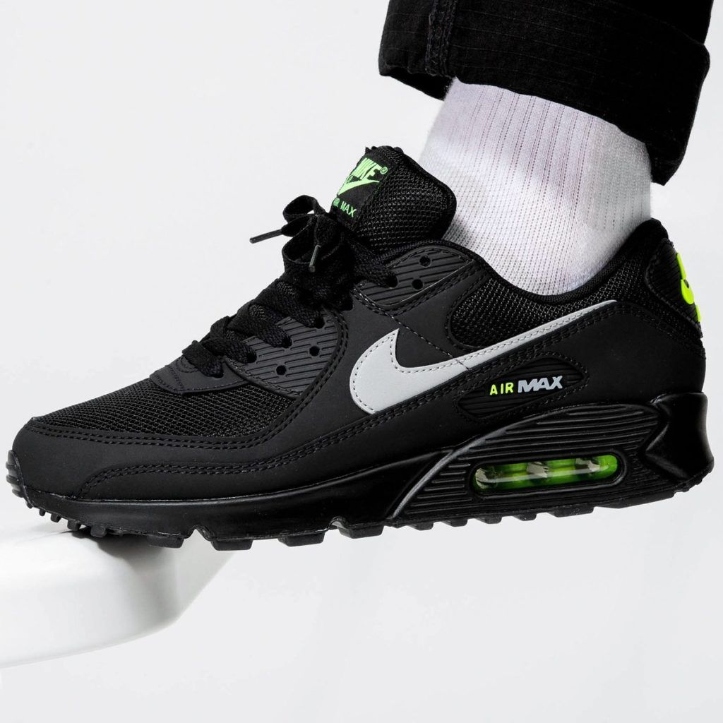Ewell biografía medallista  The Nike Air Max 90 Black / Volt are available now for just $84.00 with  Free Shipping | Nike air max 90 black, Nike air max, Nike air max 90