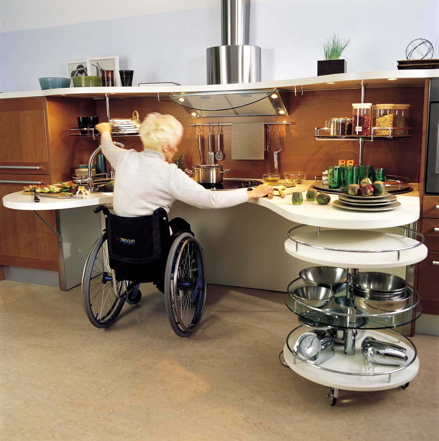 Simple sleek kitchen design for wheelchair users for Kitchen design for wheelchair user
