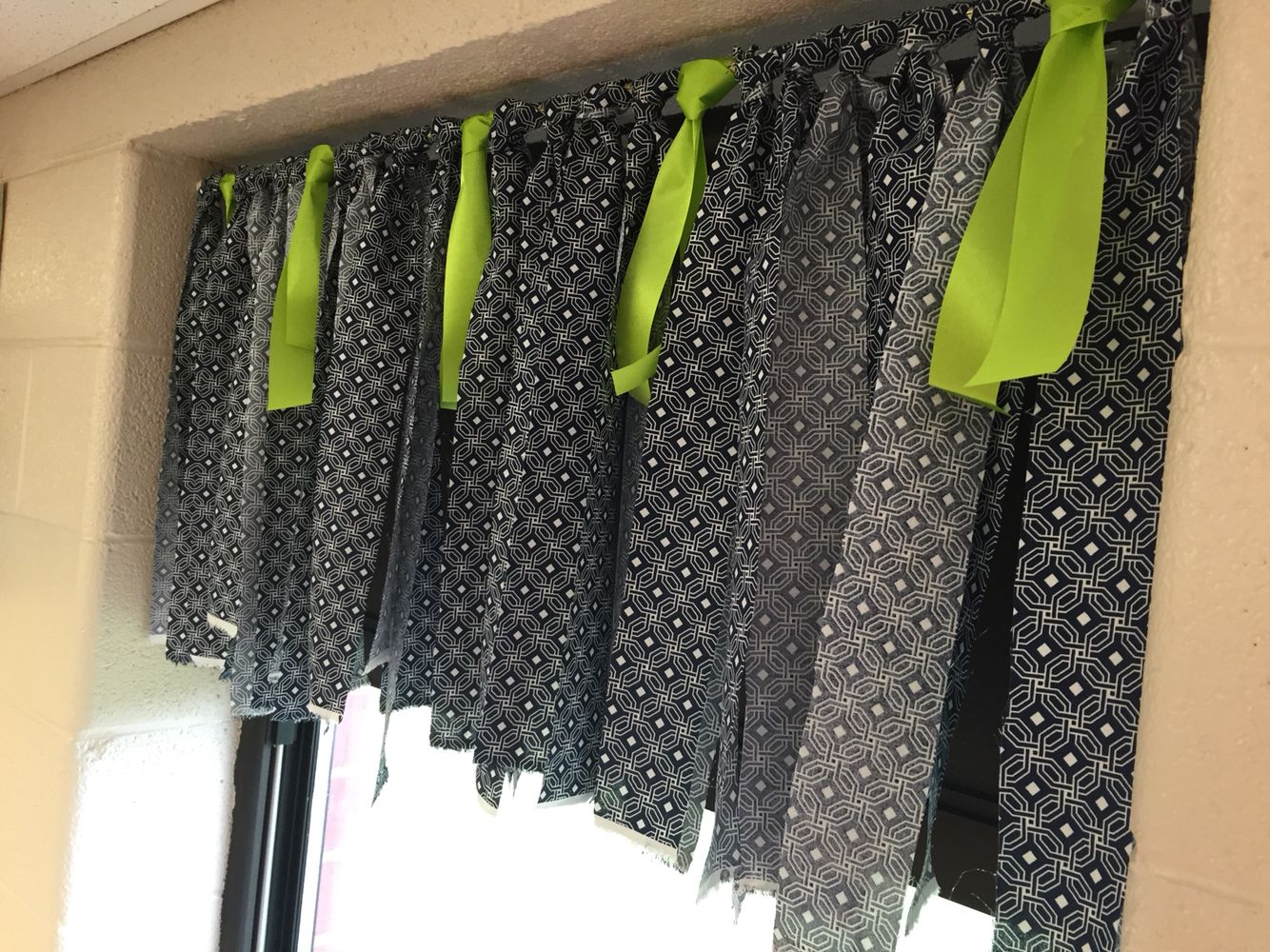 Classroom window - Navy Blue And Lime Green No Sew Window Valance So Easy And Perfect For The
