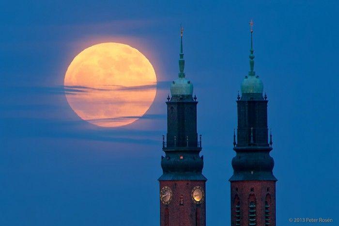 La Luna llena desde Estocolmo, Suecia