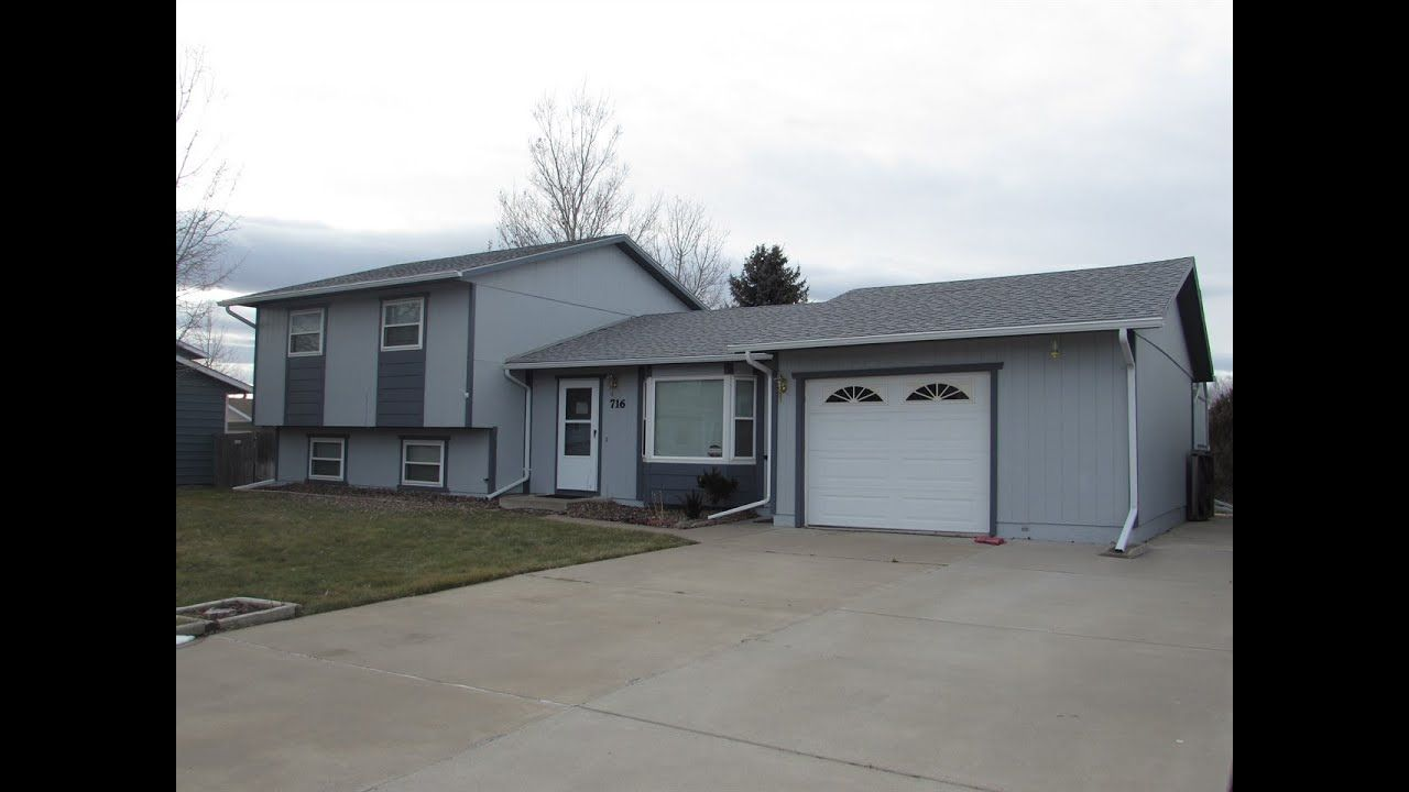 Home For Sale 716 44th St N Great Falls Mt 59405 Century 21 Level Homes Sliding Glass Door Roll Out Awning