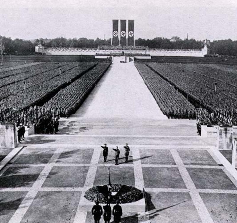 Discurso de Hitler en Nuremberg, donde dijo que ellos eran una raza superior