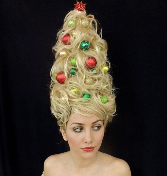 Christmas Tree Hair Is A Real Thing If You Re Looking For Weird Af Holiday Hair Inspo Christmas Tree Hair Holiday Hairstyles Hair Styles