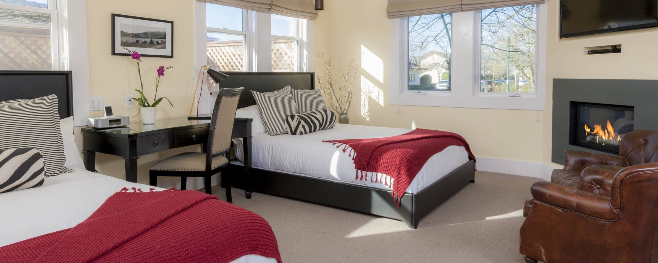 Vintners Double Queen Guestroom at Inn at Sonoma Bed and