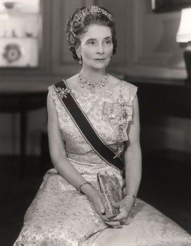 House of Windsor: Princess Alice, Duchess of Gloucester, wearing the Turquoise Teck tiara