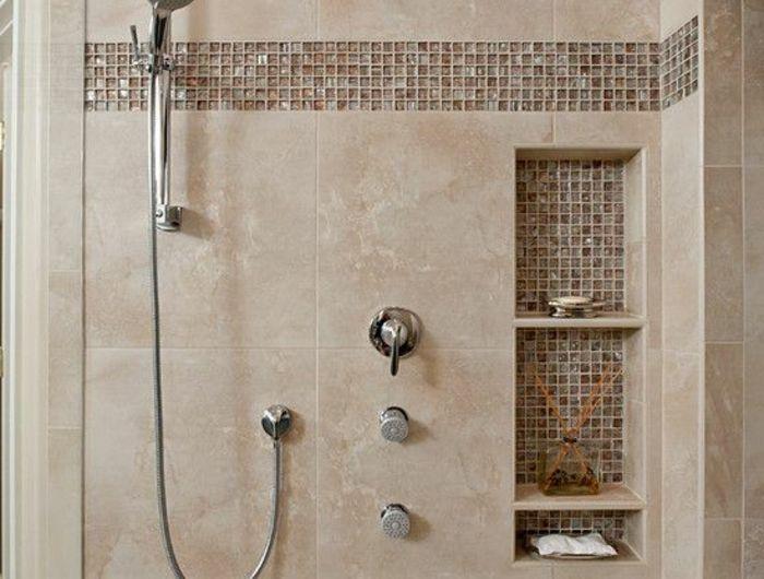 Fliesengestaltung Bad In Zwei Typen   Moderne Duschkabine Mit Nischen