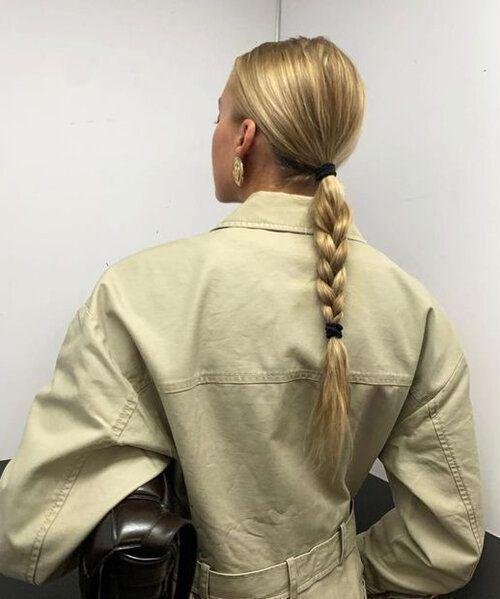 Tresse tendance : voici la coiffure ultra-simple que toutes les modeuses ont adopté (et nous aussi !) - Grazia