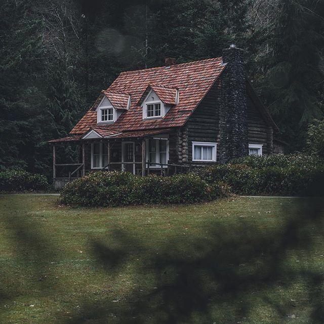 Pin By Burmapeak On Roof Pics/Dormers In 2019