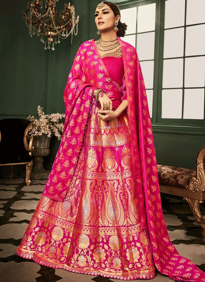 Women's lehenga choli for best prices and shop online. Free shipping. Buy this preferable banarasi silk lehenga choli for bridal and wedding.
