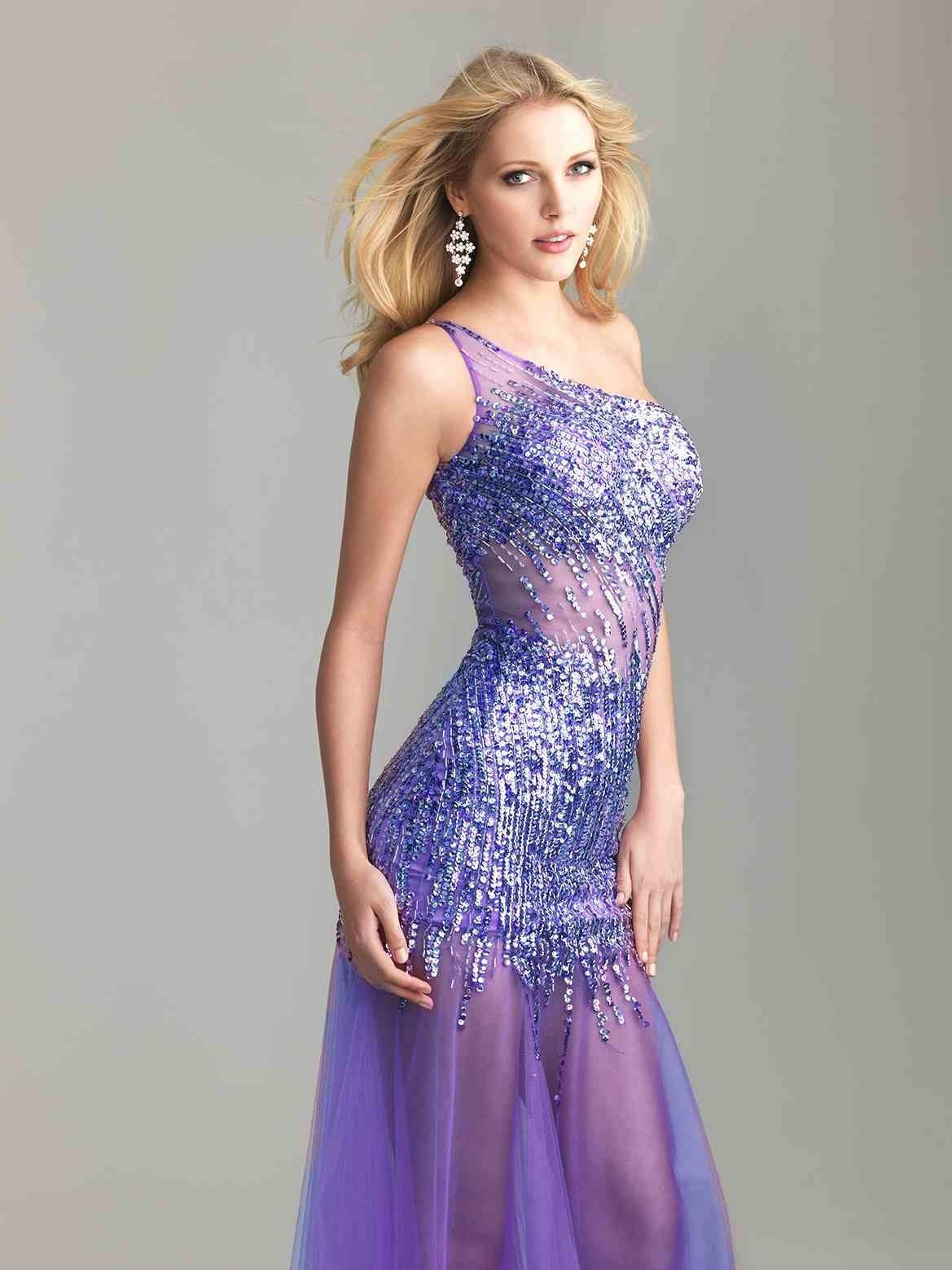 Famoso Inspiración Vintage Vestidos De Dama De Reino Unido ...