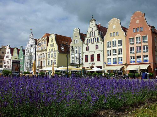 Neuer Markt In Rostock Germany New Market Square Com Imagens
