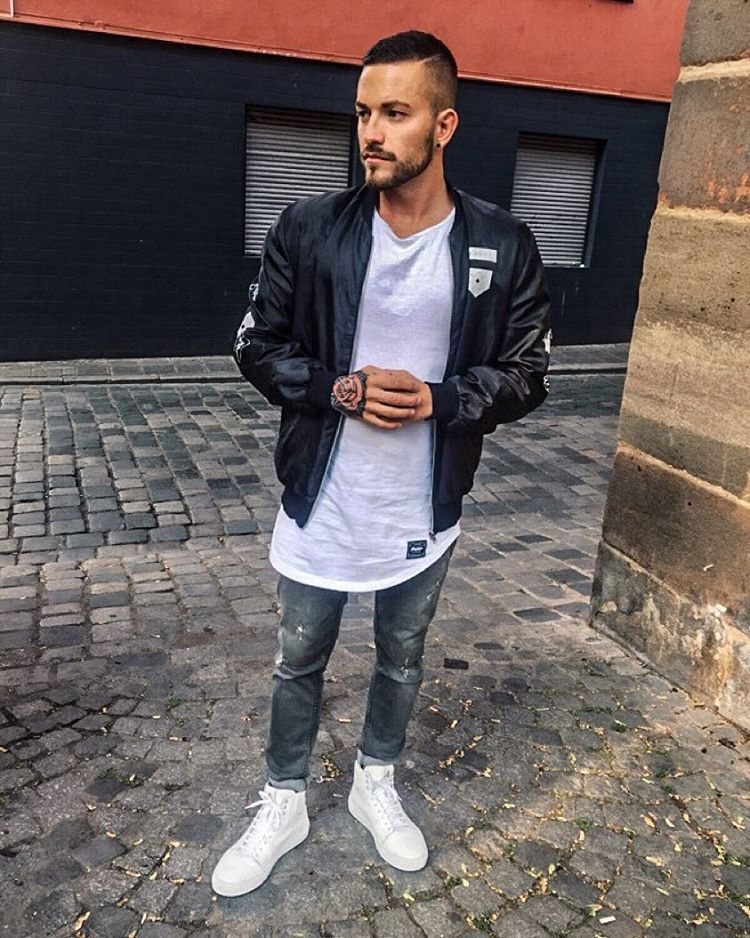 "patrickdossantosaveiro på Instagram: ""Favorite Look ▪️▫️ . Shirt : @phoenixclothing . Jacket : @bershkacollection . Shoes : @axelarigato . Jeans : @zaramen . Wish you all a beautiful Day """
