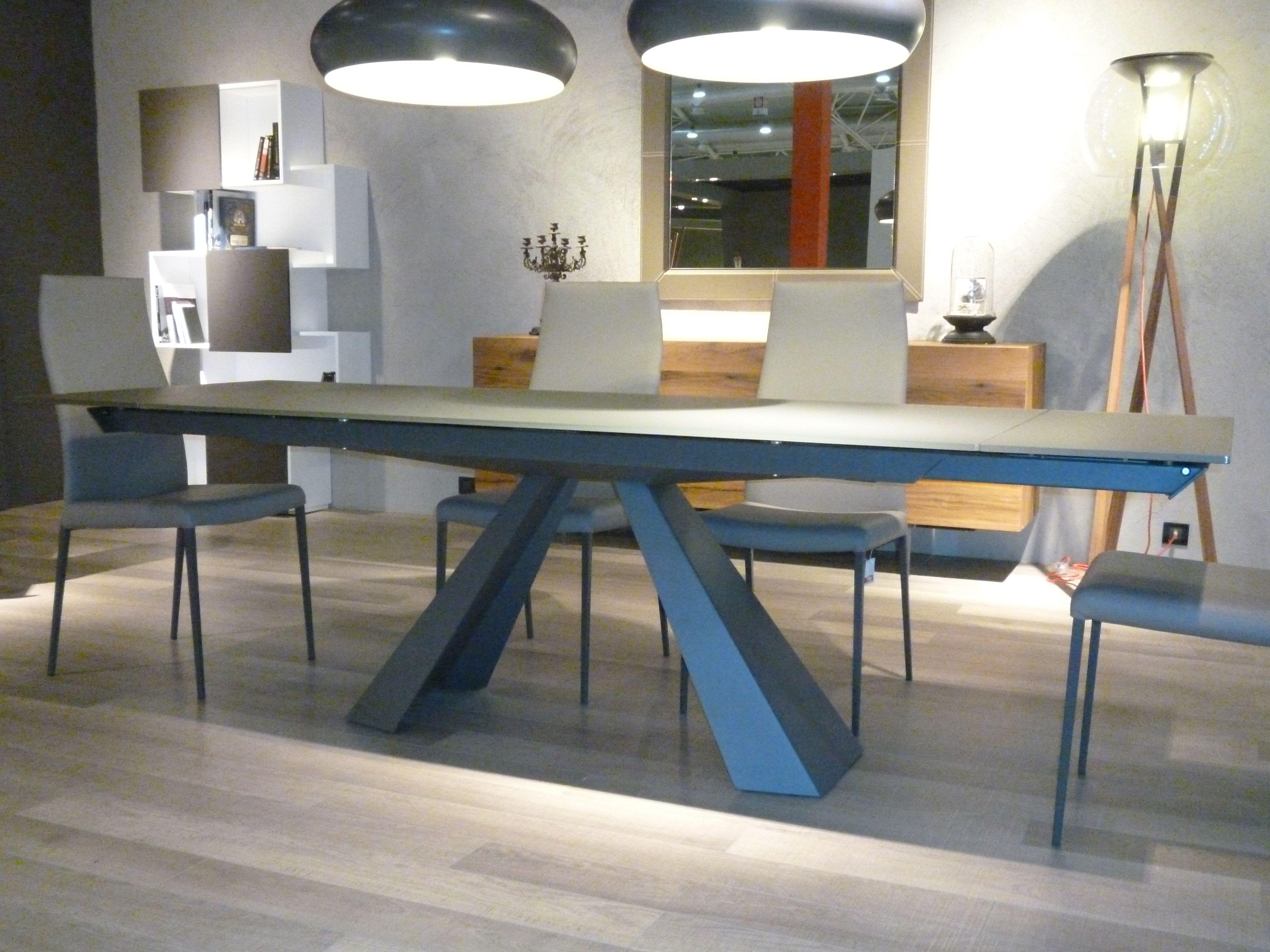 Tavolo Skorpio ~ Moa casa tavolo skorpio con base in acciaio verniciato