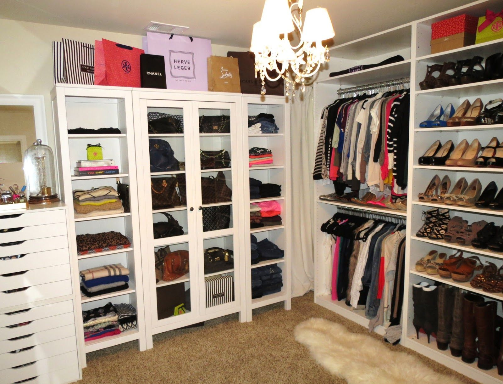 Furniture, Lovely Decorating Ideas And How Big Is A Walk In Closet For  Women Bedrooms With Pretty Pendant Light And Brown Carpet And White Wardrobe  And ...