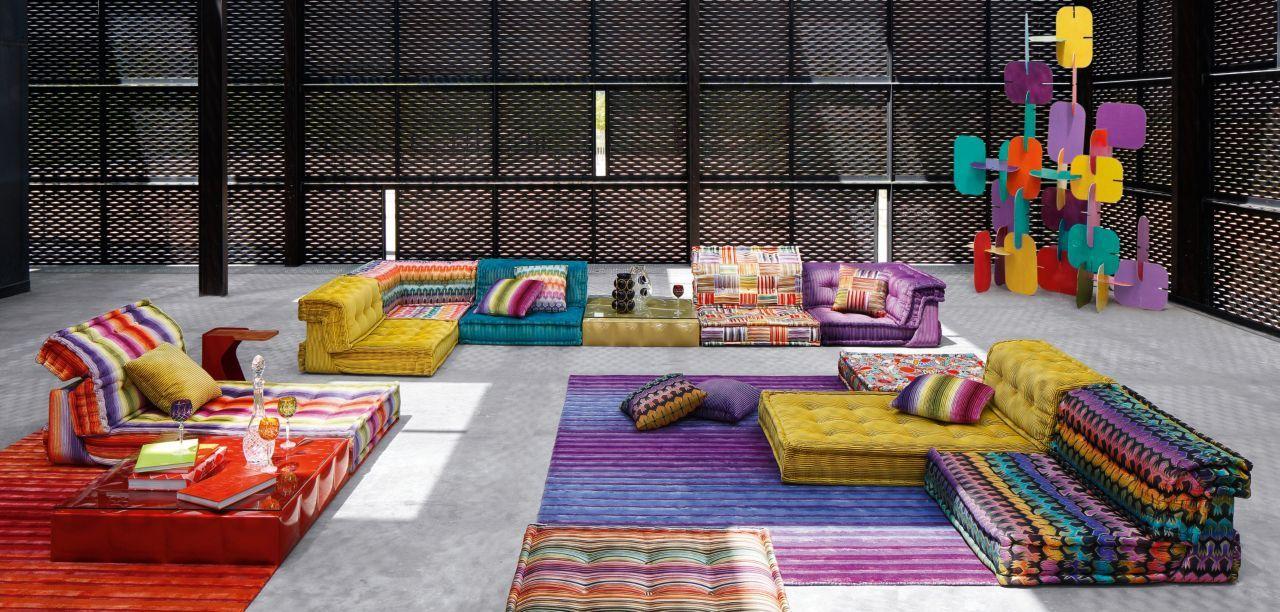 Modulares Sofa In Elementen, Gepolstert In Stoff. Endlose  Kombinationsmöglichkeiten. Beinhaltet Sitzkissen (95