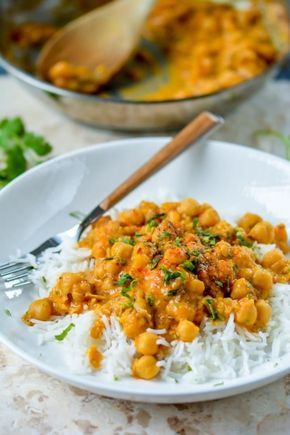 Easy indian chickpea curry for weekday dinner food indian easy indian chickpea curry for weekday dinner forumfinder Images