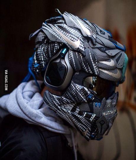 This is literally giving people goosebumps.  cool  Custom motorcycle helmets, Motorcycle