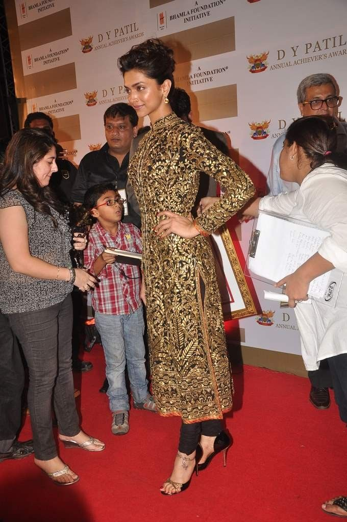 Deepika Padukone Salwar suit | Hair Styles | Pinterest ...