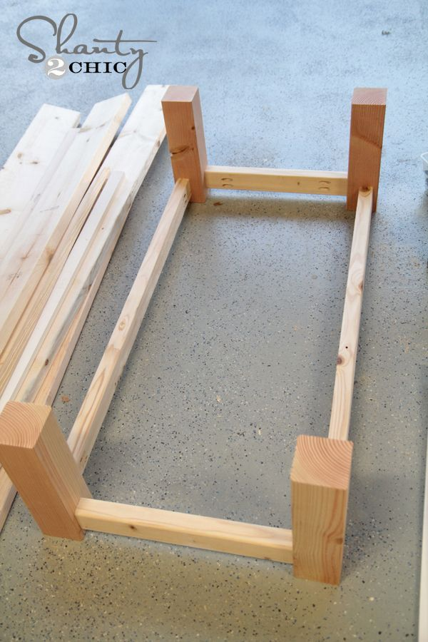 Photo of how to build a rectangular coffee table #Diycoffeetable