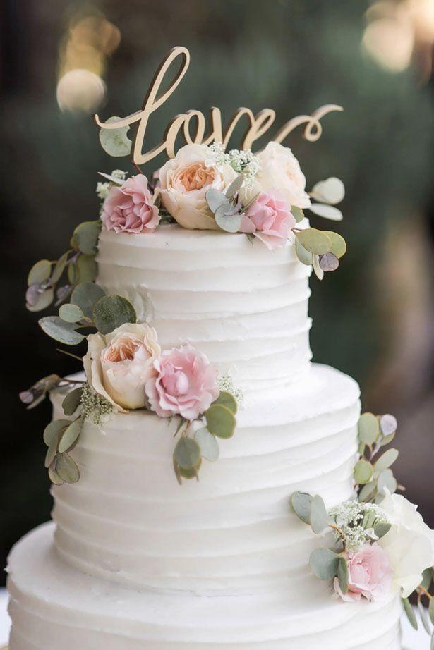 Hochzeitstorte In Weiss Mit Rosa Blumen Rosen Cake Topper Love
