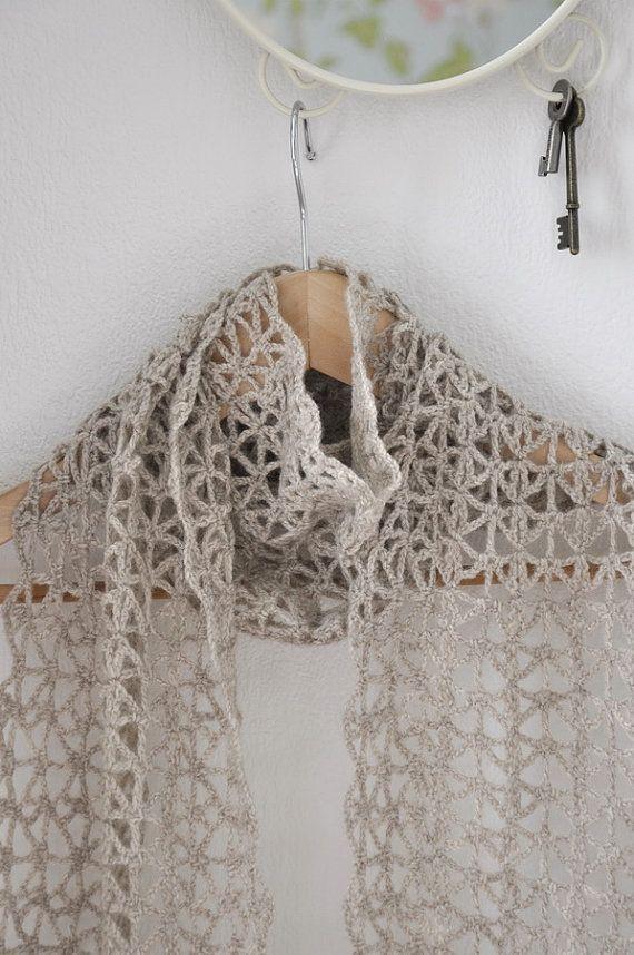 Esta bufanda hermosa mano crochet encaje complementan cualquier ...