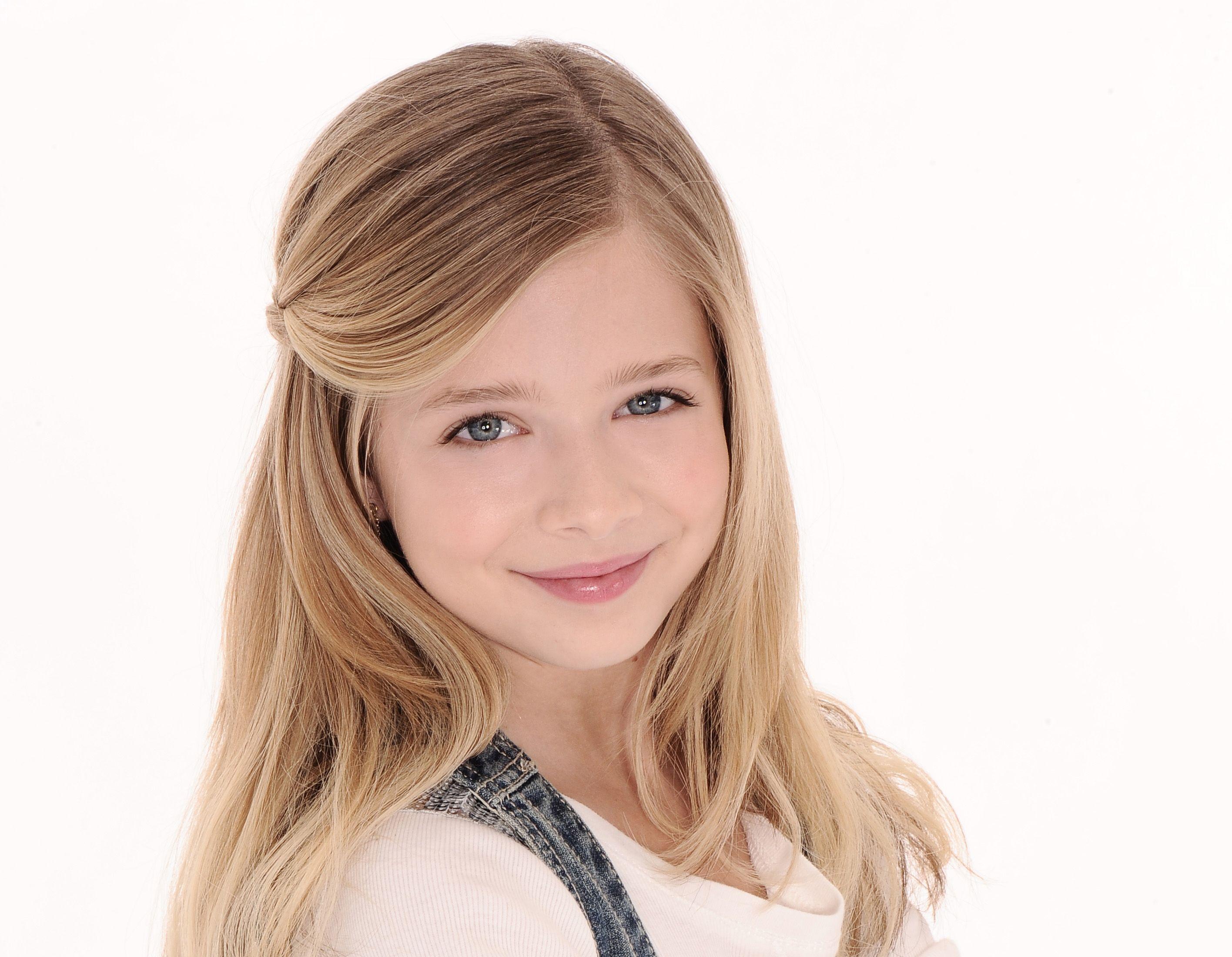 Eleven Year Old Girl Photography Google Search Gaya Rambut Rambut Artis