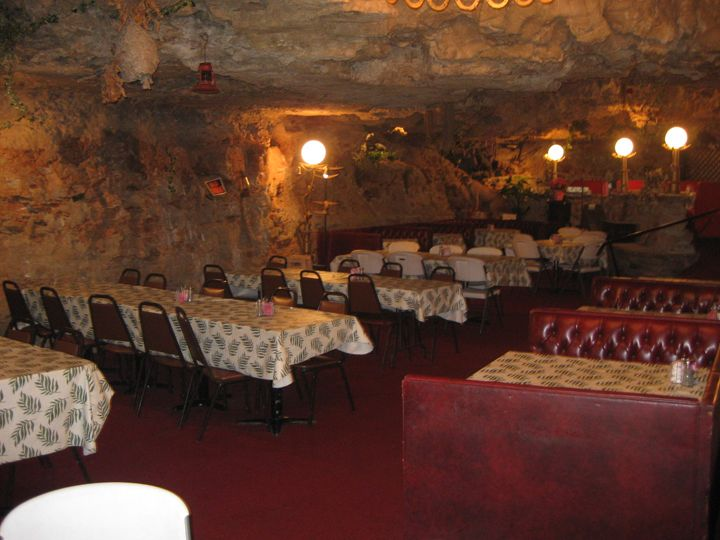 The Cave Restaurant Near Richland Mo Really In A 3 Stories Up