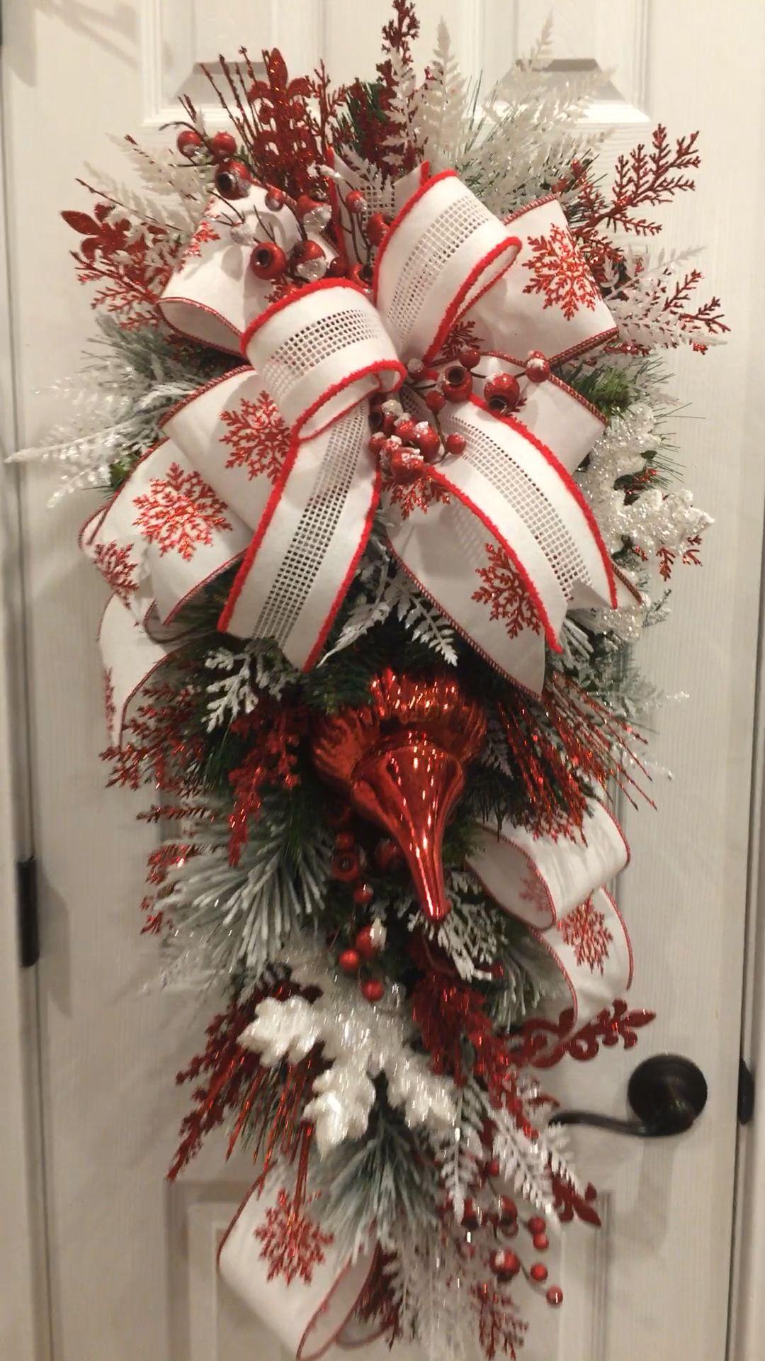 Photo of Christmas snowflake swag, Christmas wreath