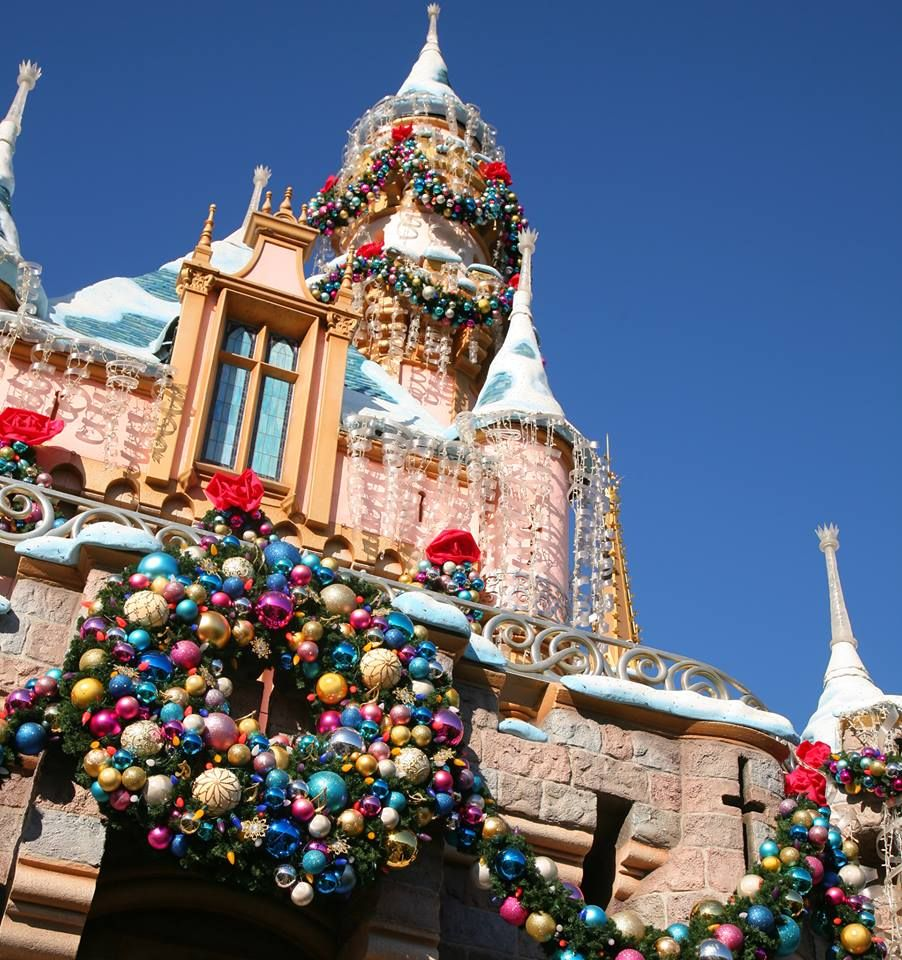 Christmas Decorations For Disneyland: Christmas Time: Sleeping Beauty's Castle, Disneyland