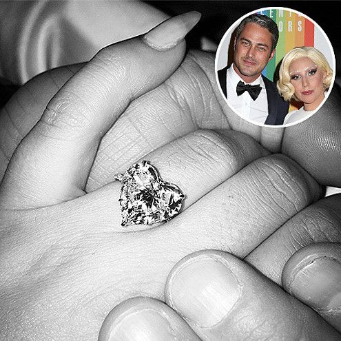 LADY GAGA TAYLOR KINNEY Amazingly the heartshaped diamond on her