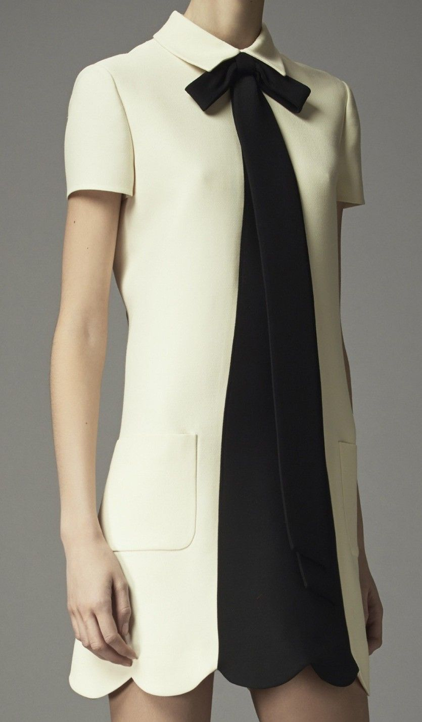 Valentino prefall fab simple chic smocktshirt dress design
