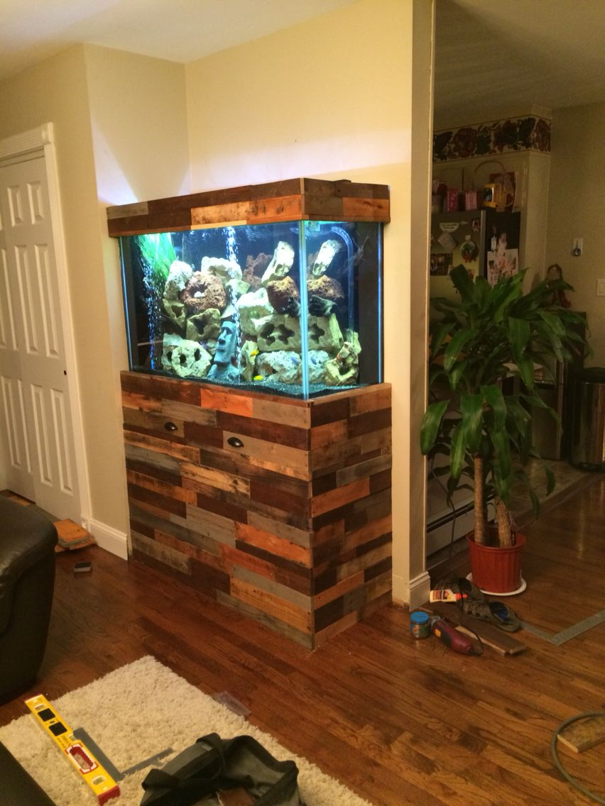 Fish tank stand i made using pallets pallet projects for Aquarium wood decoration
