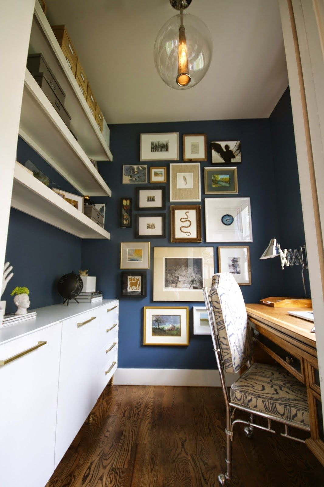 home office small gallery. Love The Dark Navy Walls And Gallery Wall In This Small Office Home