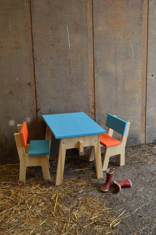 Peuterstoel Met Tafeltje.Kindertafel Met Kinderstoeltje Hout Met Kleur