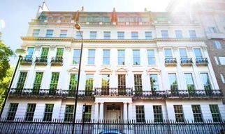 Our Prem 45 Roller Fly Screens Were Chosen By The Crown Prince Of Saudi Arabia For One Of His London Households London Mansion Mansions European Architecture