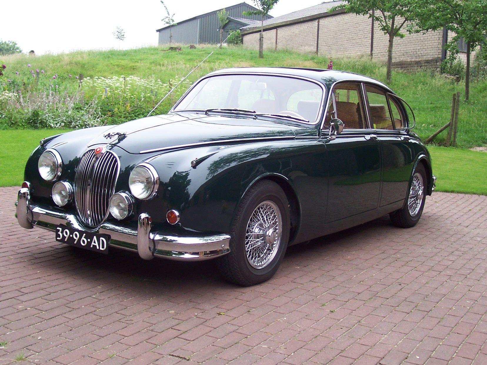 1962 Jaguar 3 8 Litre Mk2 4 Door Salon With Sun Roof And Chrome Wire Wheels Jaguar Car Classic Cars Cars Uk