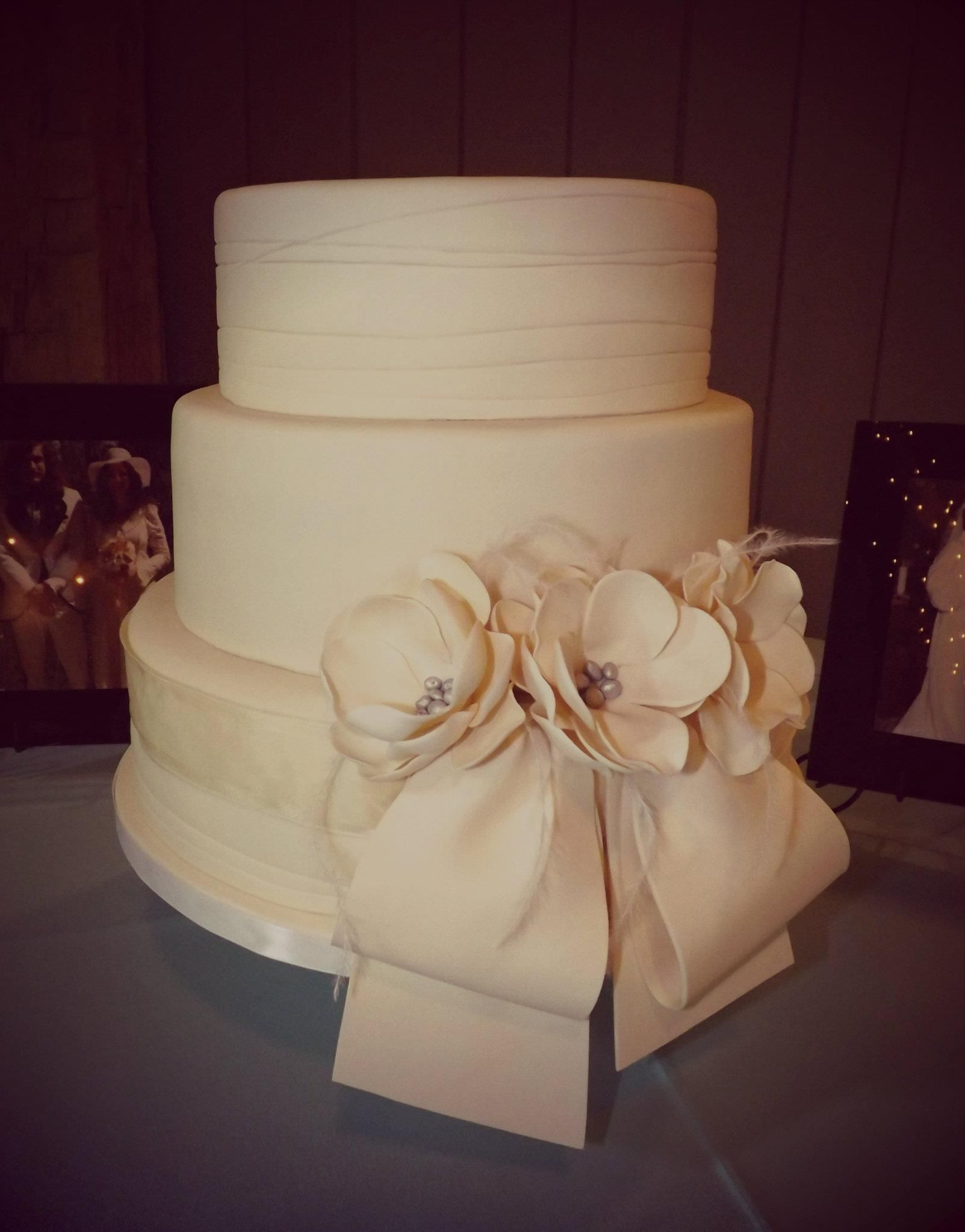 Textured Fondant Wedding Cake With Fondant Bow Wicked Wedding - Wicked Wedding Cakes
